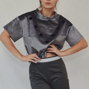 GREY T-SHIRT WITH BLACK VELCRO DOTS